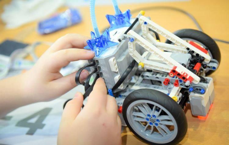 1η Διαγωνιστική παρουσίαση της ομάδας Ρομποτικής του Δήμου Αλίμου