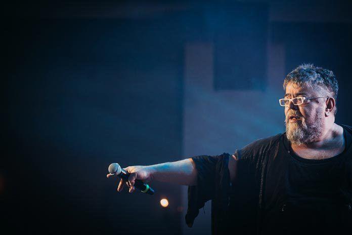 Παρακολουθήστε τη συναυλία του Σταμάτη Κραουνάκη και Σπείρα – Σπείρα με ειδική τιμή για τους Αλιμιώτες και τις Αλιμιώτισσες