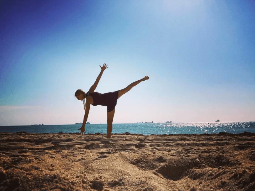 Τι θα έλεγες για yoga στην παραλία Αλίμου;