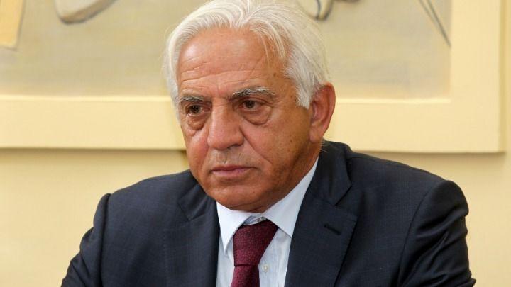 Η ανακοίνωση της παραίτησης του Διονύση Χατζηδάκη