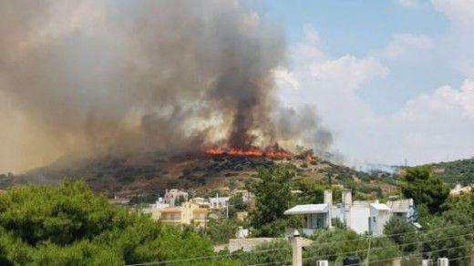 Yπό μερικό έλεγχο η φωτιά στο Λαγονήσι – Έγινε μία προσαγωγή ηλικιωμένου