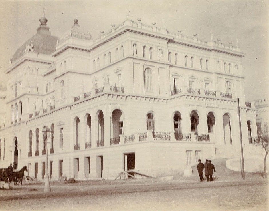 To ξενοδοχείο Ακταίον στο Νέο Φάληρο λίγο πριν ανοίξει τις πόρτες του το 1903