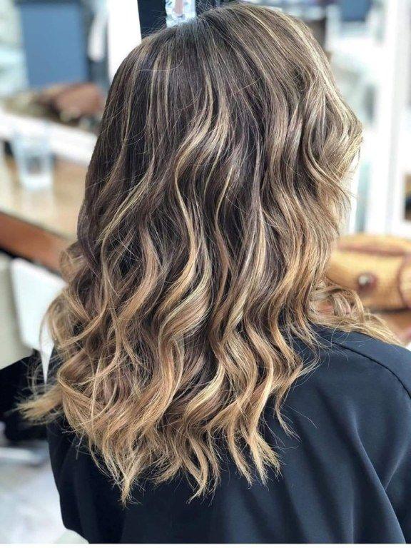 Vasal: Με τις summer highlights θα φέρεις το καλοκαίρι και στα μαλλιά σου