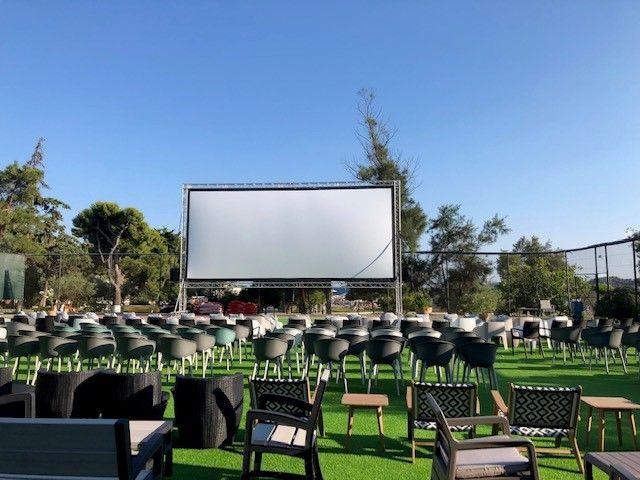 Sea Movieing Vouliagmeni: Ένα θερινό σινεμά στην Ακτή Βουλιαγμένης