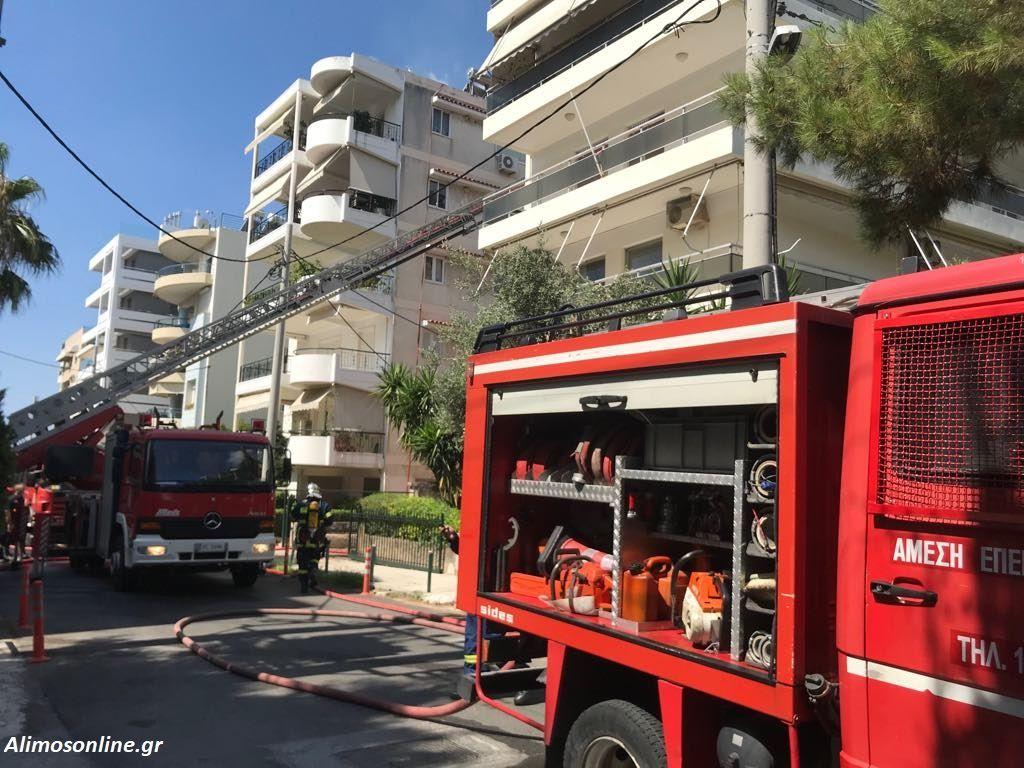 Φωτιά ξέσπασε σε διαμέρισμα στην οδό Τσόχα στο Καλαμάκι