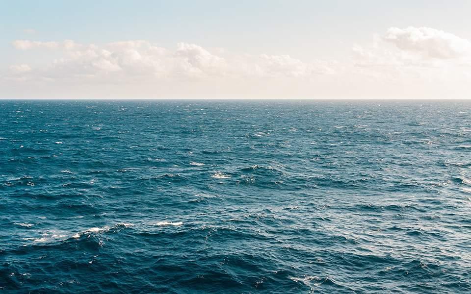 Βουλιαγμένη: Άνδρας ανασύρθηκε νεκρός από τη θάλασσα