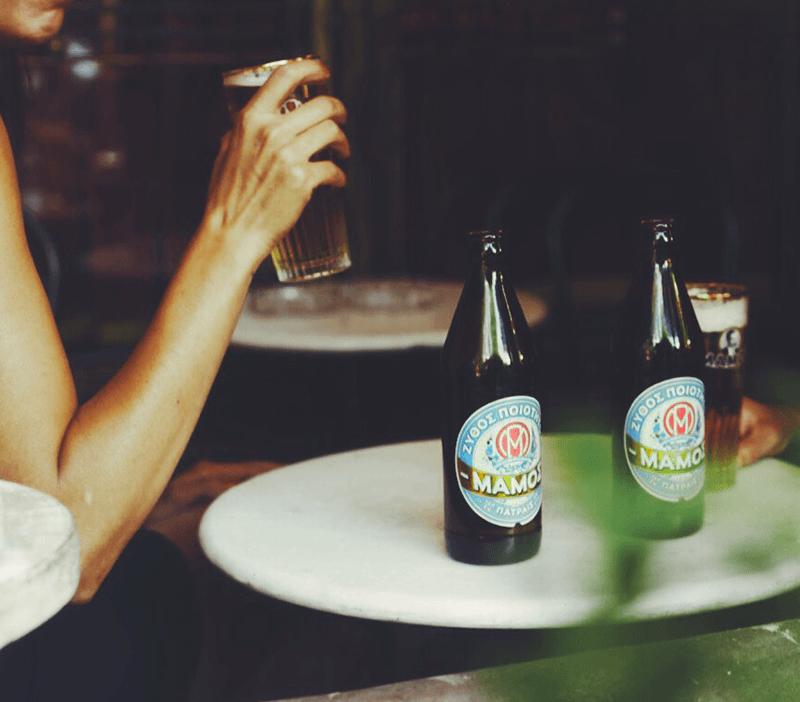 Στο Local's θα βρεις τη μπίρα MAMOS που θα σε συντροφεύσει τα καλοκαιρινά βράδια στη βεράντα