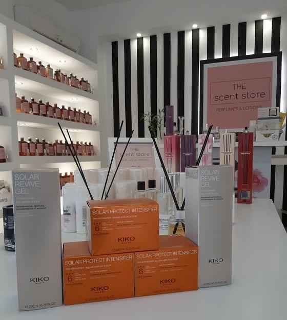 The Scent Store: Καλλυντικά, τύπου αρώματα, αρωματικά χώρου και προϊόντα διατήρησης μαυρίσματος, σε έναν μόνο χώρο