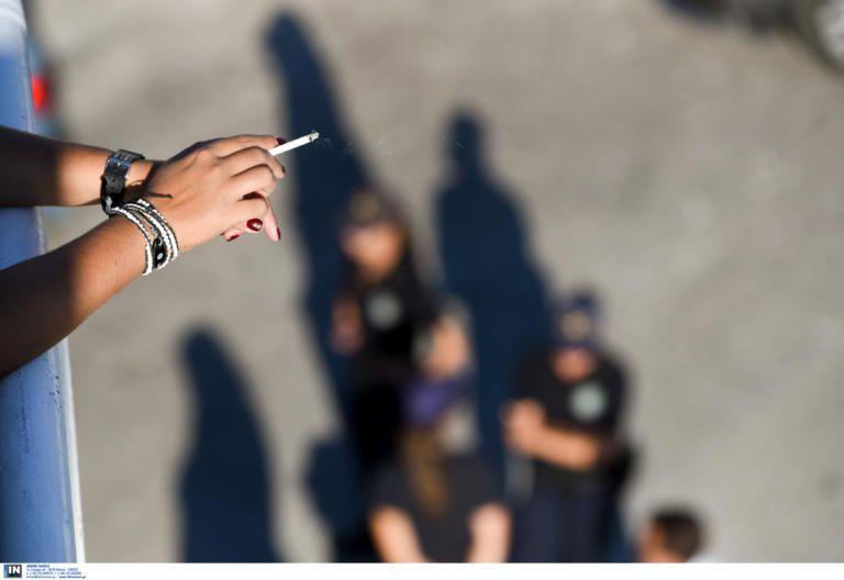 Αντικαπνιστικός νόμος: Εφαρμόστηκε πρώτη φορά στην Αθήνα ….το 1856