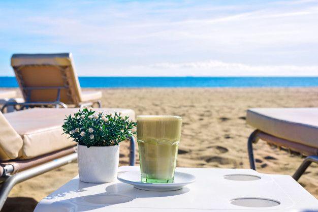 4+1 στάσεις για καφέ στην παραλία Αλίμου με θέα τη θάλασσα