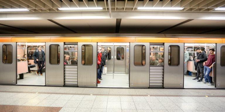 Συναγερμός στο Μετρό λόγω ύποπτης βαλίτσας