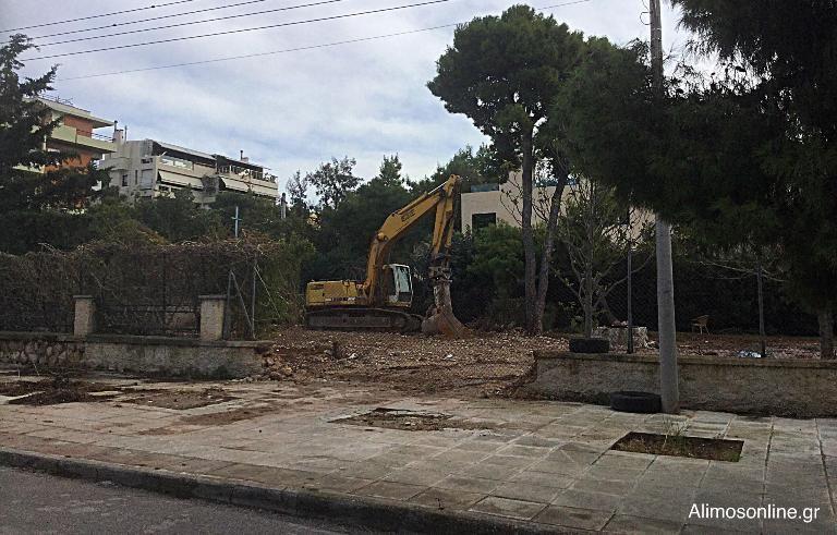 Γλυφάδα: Δύο πολυτελείς κατοικίες στη θέση που βρισκόταν η βίλα Βαρβιτσιώτη