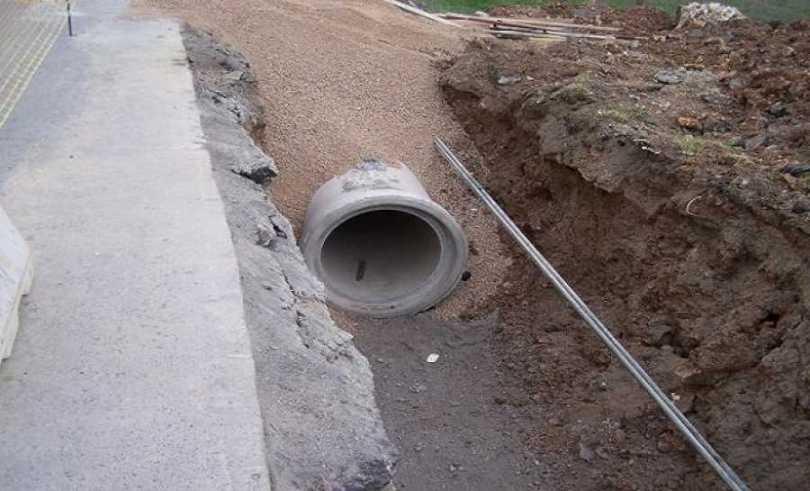 Παλαιό Φάληρο: Πετούν τα υγρά των σκουπιδιών στα όμβρια, σε απόγνωση οι κάτοικοι από τη δυσοσμία