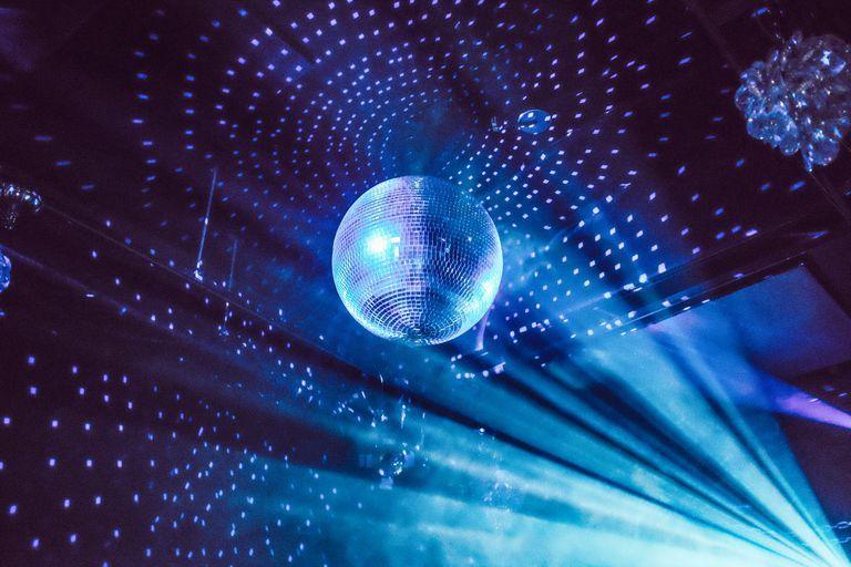 Disco Barbarella: Το Σάββατο το μεγάλο πάρτι στον Άλιμο