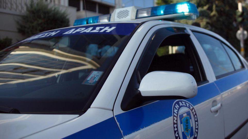 Γλυφάδα: Κάρφωσαν αστυνομικό με στυλό, επειδή πραγματοποίησε έλεγχο