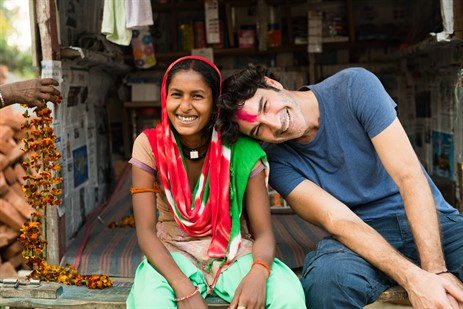 «Ένας κόσμος»: Το ντοκιμαντέρ του Χριστόφορου Παπακαλιάτη για την Actionaid, απόψε στο Cine Άλιμος