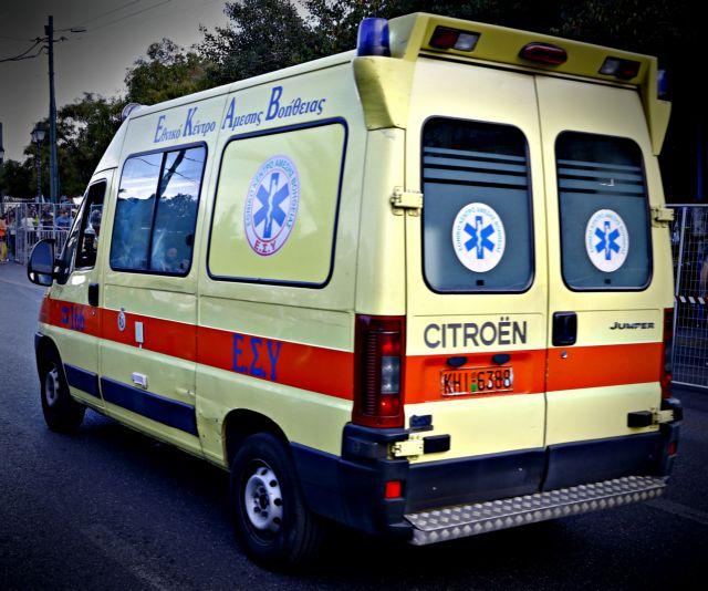 Ελληνικό: Τραυματίστηκε έφηβη από καπνογόνο κατά τη διάρκεια συναυλίας σε κατάστημα