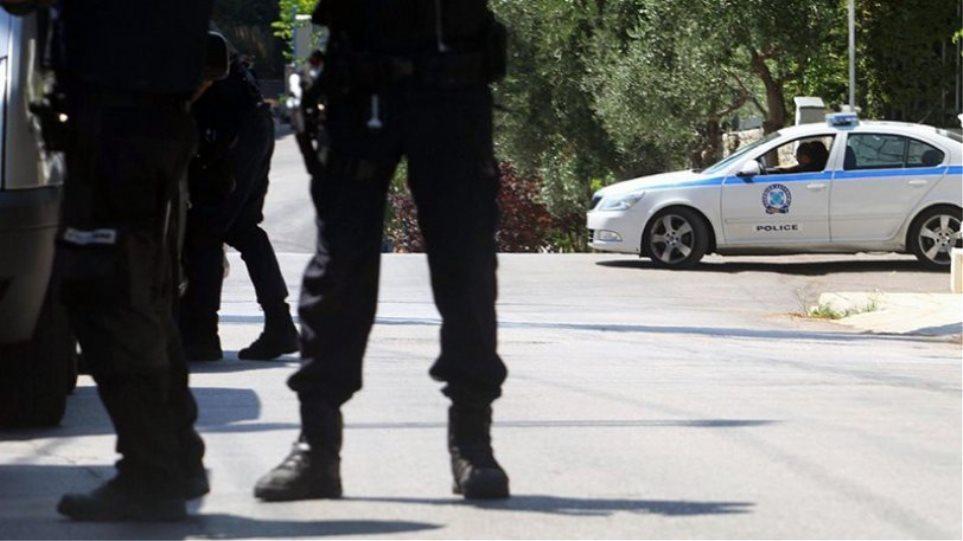 Παλαιό Φάληρο: Νεαρό ζευγάρι χτύπησε και απείλησε μαθητές Γυμνασίου