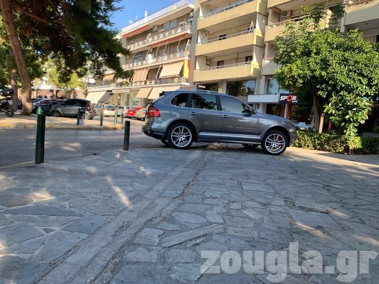 Γλυφάδα: Ο Αλέξης Κούγιας 'βαριέται΄να ψάξει για πάρκινγκ