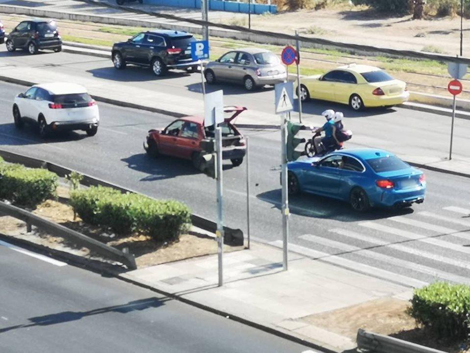 Καραμπόλα τριών αυτοκινήτων στη Λεωφ. Ποσειδώνος