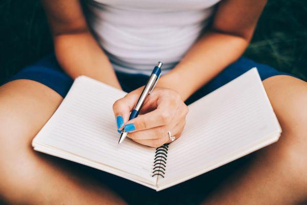 Το Σάββατο ξεκινούν τα μαθήματα δημιουργικής γραφής στη Δημοτική Βιβλιοθήκη