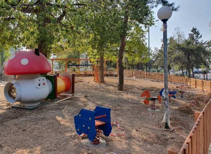 Μία παιδική χαρά για βρέφη ετοιμάζεται στην Αργυρούπολη