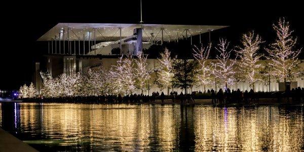 To Κέντρο Πολιτισμού Ιδρύματος Σταύρος Νιάρχος από 1η Δεκεμβρίου κινείται σε γιορτινούς ρυθμούς