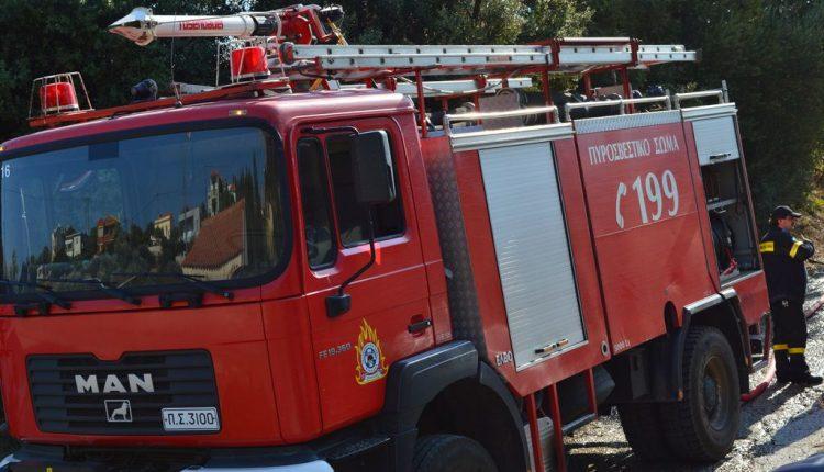 Φωτιά ξέσπασε σε σπίτι στη Γλυφάδα