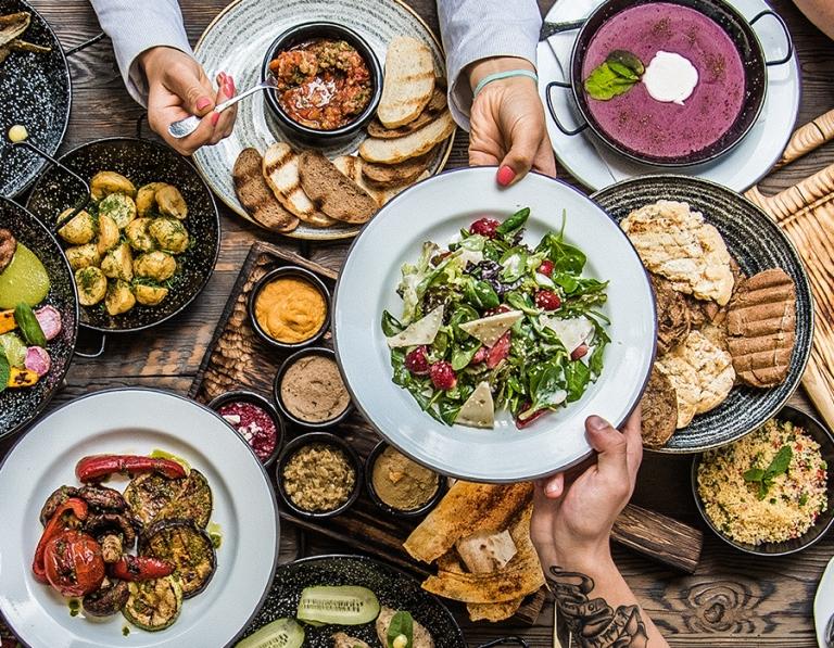 Έρχεται το πρώτο food hall της Αθήνας στο Αρσάκειο Μέγαρο