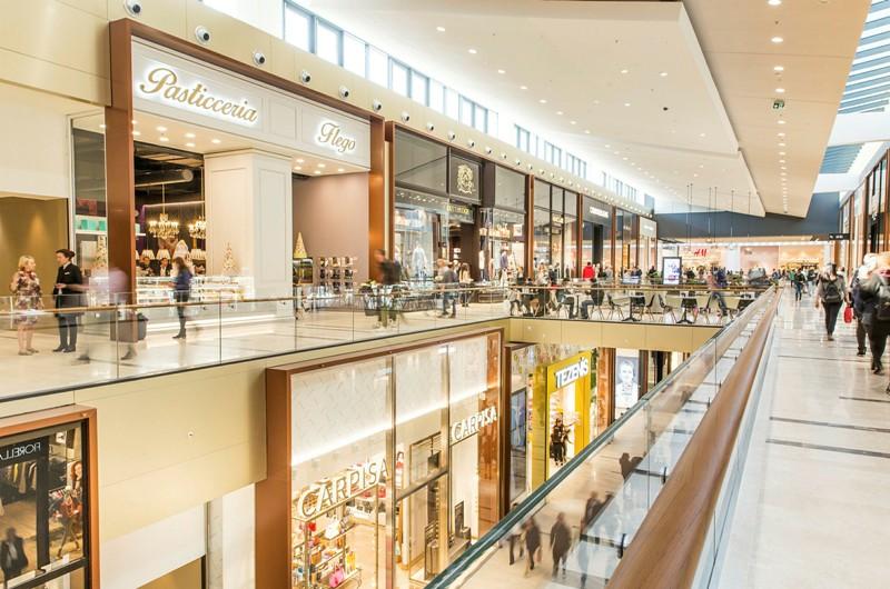 Τα σχέδια για δύο νέα εμπορικά καταστήματα στα Νότια Προάστια – Το «Vouliagmenis Mall» και ακόμη ένα στη μαρίνα Αγίου Κοσμά