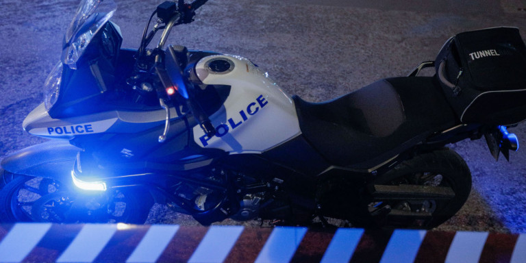 Ένοπλη ληστεία σε μίνι μάρκετ στη Γλυφάδα