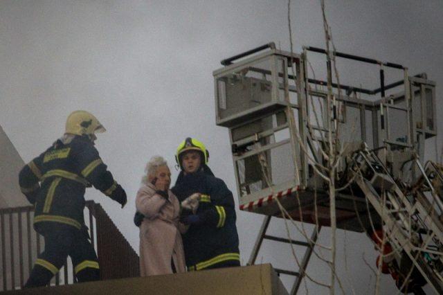 Φωτιά στο Π. Φάληρο: Το δράμα της κας Αφροδίτης που ήταν αφημένη στην τύχη της