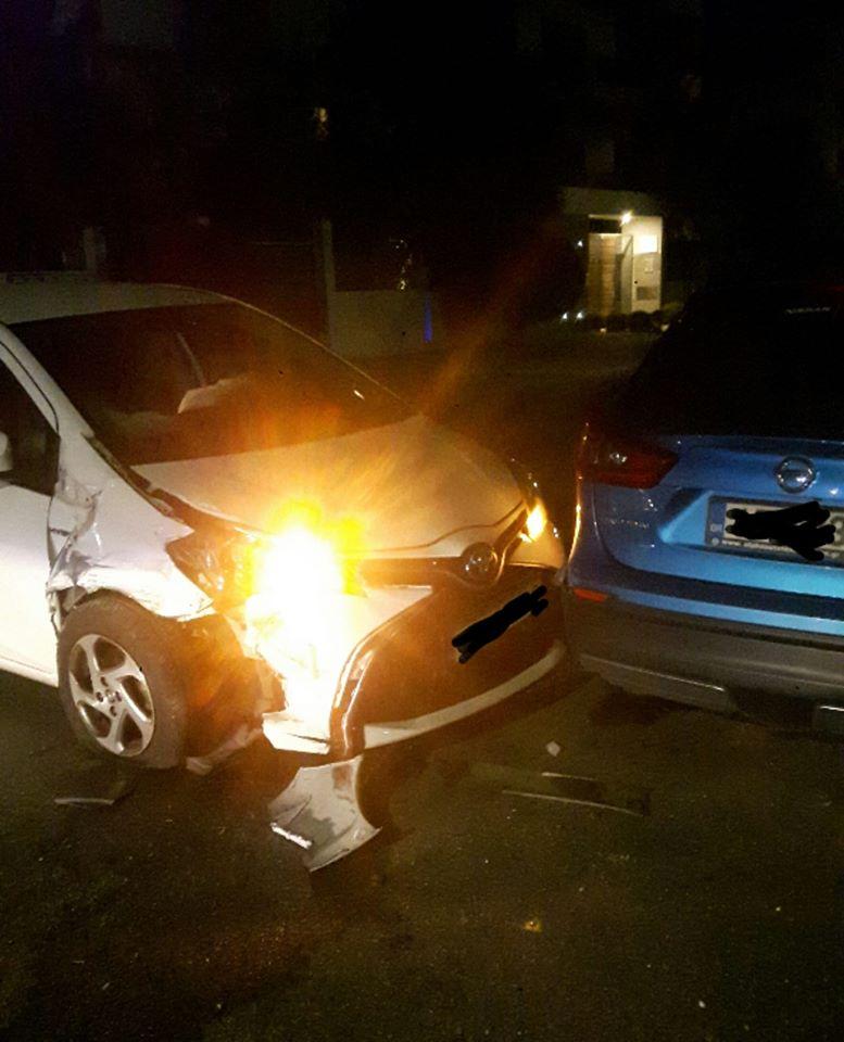 Βούλα: Μεθυσμένο οδηγός «έπεσε» πάνω σε σταθμευμένο αμάξι