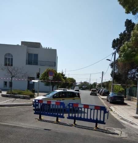 Έκλεισε η Διαδόχου Παύλου στη Γλυφάδα και ο δρόμος προς την παραλία για το Καβούρι