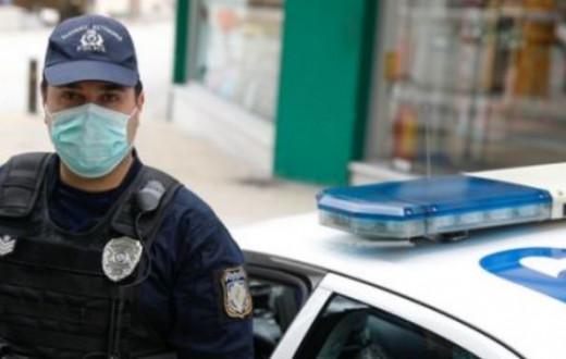 Βούλα: Άνδρας συνελήφθη επειδή έσπασε την 14ημερη καραντίνα - Φώναζε πως έχει κορωνοϊό και έφτυσε τους αστυνομικούς