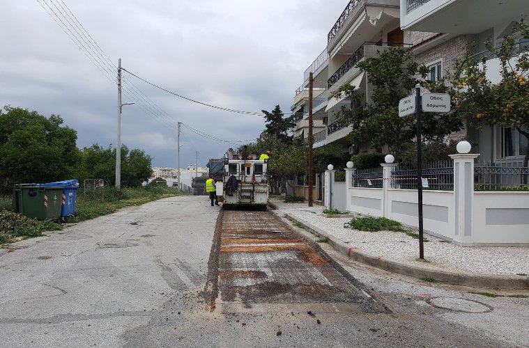 Ξεκίνησε η ασφαλτόστρωση της οδού Αλαμάνας – Έρχονται ακόμη 27 δρόμοι