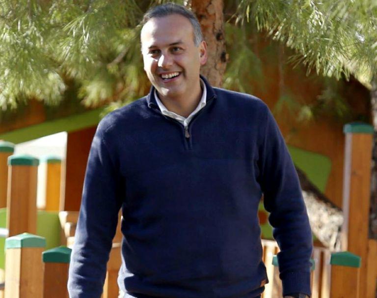 Γλυφάδα: Ο Γιώργος Παπανικολάου δίνει το 50% του μισθού του στον ειδικό λογαριασμό για τον Covid- 19