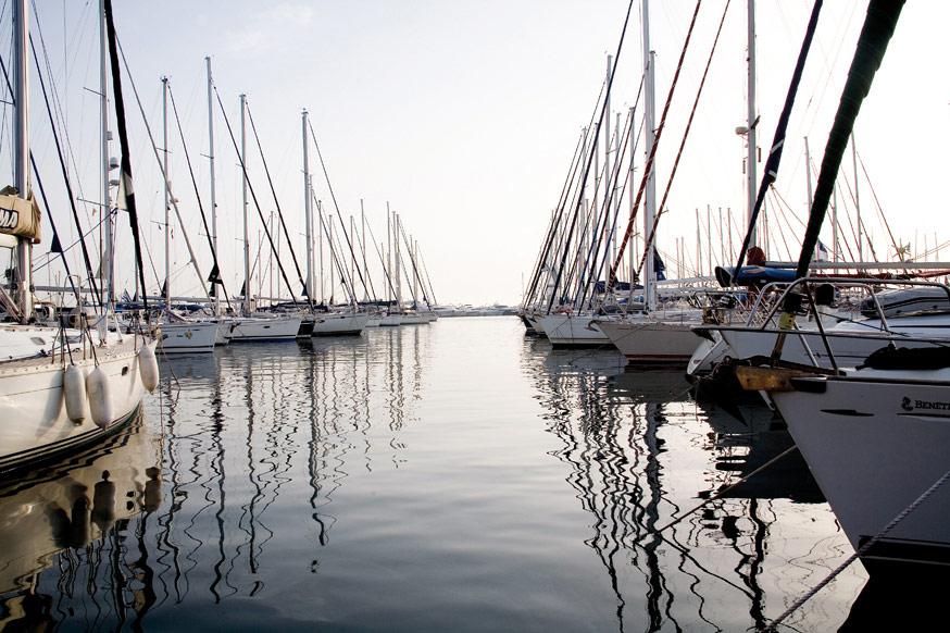 Θρίλερ με 30 ιστιοπλοϊκά και 80 Έλληνες ναυτικούς
