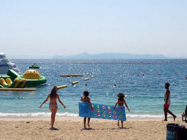 Αναλυτικά οι κανόνες που θα ισχύουν απο αύριο στις οργανωμένες παραλίες