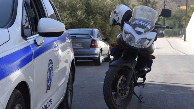 Άγριες συμπλοκές σε Βάρκιζα, Αργυρούπολη - Πέταξαν πέτρες σε λεωφορείο και αστυνομικούς