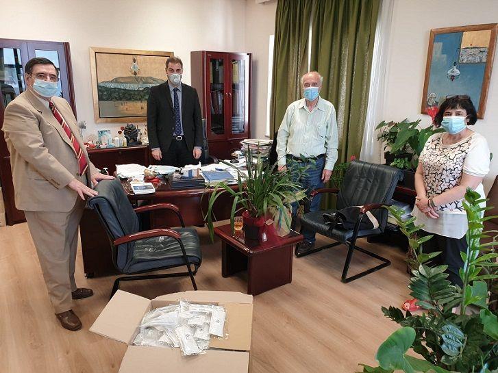 Δωρεά 700 μασκών στον Δήμο Αλίμου από την Ένωση Δημάρχων Αττικής
