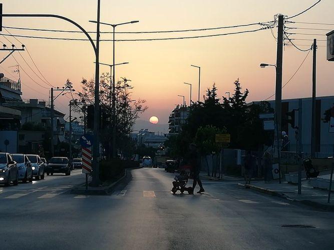 Το χθεσινό ηλιοβασίλεμα από τη Λ.Θεομήτορος