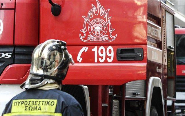 Γυναίκα νεκρή από πυρκαγιά σε διαμέρισμα στη Βούλα - Η πυροσβεστική απεγκλώβισε τέσσερα άτομα