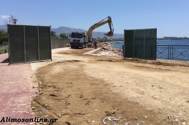 Συνεχίζονται τα έργα στον πεζόδρομο της παραλίας μας