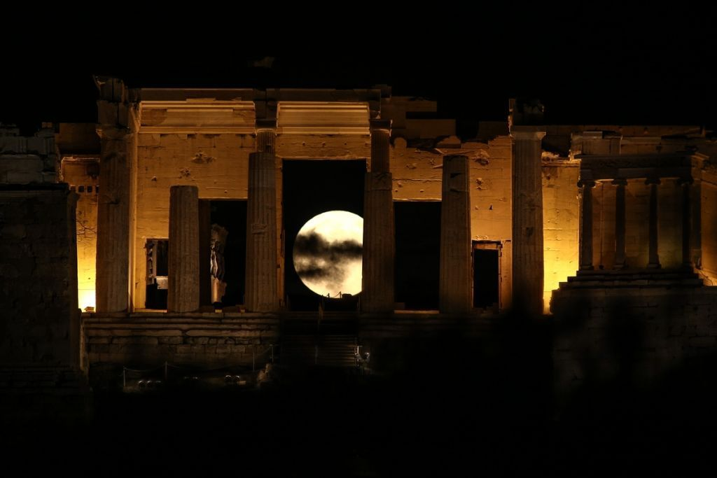 Aυγουστιάτικη πανσέληνος με ελεύθερη είσοδο σε αρχαιολογικούς χώρους και μουσεία