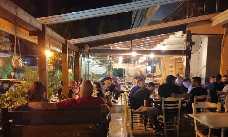 Συνεχίζονται οι μουσικές βραδιές στο «Αλιμανάκι»