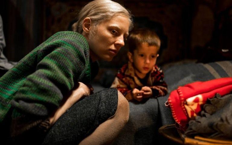 «Ένα ψηλό κορίτσι», έως και την Πέμπτη στο Cine Άλιμος
