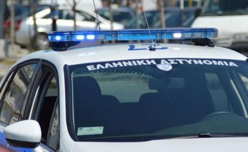 Απόπειρα ληστείας και μία διάρρηξη ήταν ο απολογισμός της Κυριακής στη Βάρκιζα