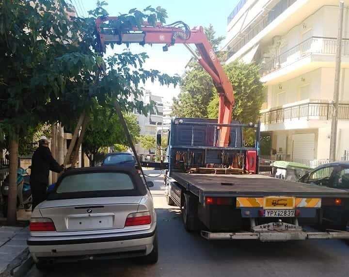 80 εγκαταλελειμμένα αυτοκίνητα και 25 μηχανάκια έχουν απομακρυνθεί από τους δρόμους του Αλίμου