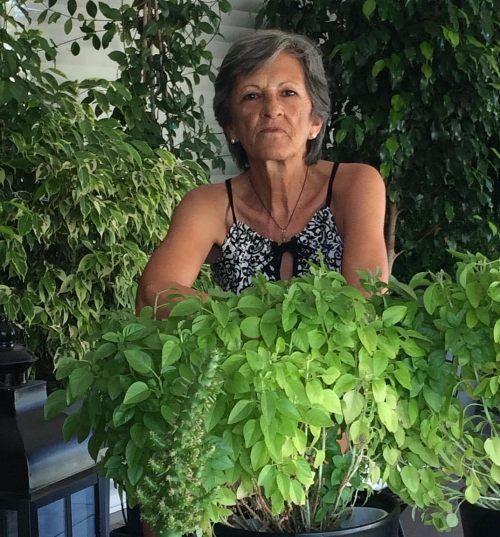 Η Ρένα Τσιλιμπάρη θυμάται την ζωή στον παλιό Άλιμο